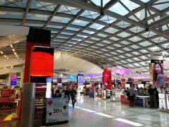スワンナプーム国際空港 空港までの移動にはグラブカーを利用して414バーツ(+チップ)でした。