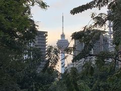 遠くにはクアラルンプールタワーが見えます。