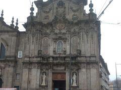 雨のカルモ教会。 昨日は、夕方で、今日は雨。 晴天の日に来られなくて残念でした。