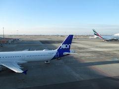 第1ターミナルの一般エリア北側に展望デッキがあるので訪問。ここは小型機が中心のトラフィックですが、エミレーツ航空A380や大韓航空B777-300ERも就航しています。