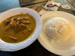 セントラルに戻ってきて、ランチは翠華レストランへ。 マレーシア風牛バラのカレーはちょっと辛めですが、全体的にはマイルドなカレーです。