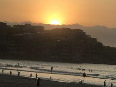 ボンダイジャンクションから5:49発のバスでボンダイビーチに日の出を見に行きました。