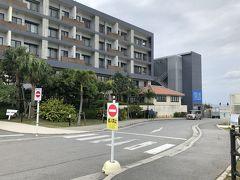 沖縄マリオットの旅行記はこちら↓ https://4travel.jp/travelogue/11603577  今回はJALエコノミーで那覇空港へ。 タイムズレンタカーで車を借りて、まずは瀬長島へ。 瀬長島ホテルのPOSILLIPOでランチをしました。