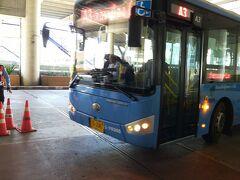 ほぼ予定通りドンムアン空港到着。 A3バスに乗ってホテルまで移動します。