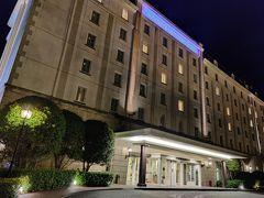 ホテル日航ハウステンボス専用入出国ゲートを通った所にホテルがある。 便利極まりない。 今日は強風でイベント中止の連続だったが、十分楽しめたように思う。 さて、今回の長崎旅行も明日が最終日。 不良夫婦は明日もハウステンボスを楽しむ。  第6部『ハウステンボス雨上がり』編 https://4travel.jp/travelogue/11605070 に続く。