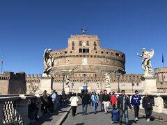 バチカンからプラプラ歩いてサンタンジェロ城へ。