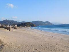 白浜海岸。 全国に白浜海岸はそれこそ何箇所もあるけれど、ここ静岡の白浜海岸は砂の白さでもかなり優れているのだとか。