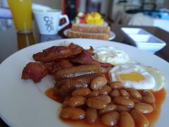 朝食はコンチネンタルです。
