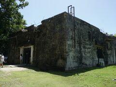 写真はペリリュー島第二次世界大戦記念博物館で日本軍の通信局として使用していた建物。