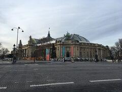 グランパレ美術館 建物だけでも見る価値あります。