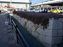 福山駅南口側にある福山城三の丸の石垣の一部