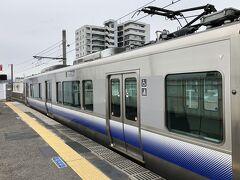 羽衣で空港急行から阪和線(羽衣支線)に乗り換え。 りんくうタウンからJRで行けばいいものを、との声が聞こえて来そうですが、時間的にはこっちが先着。