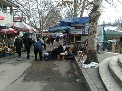 中央市場。1日は閑散としていましたが、3日ともなると賑わっていました。翌日は朝からソフィアに移動するので、普段に近いタルノヴォを見られてよかったです。