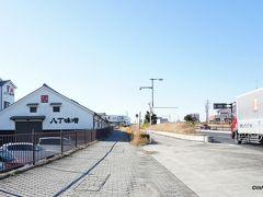 13:30 矢作橋(岡崎宿) 知立宿の東海道松並木から下道30分、浮世絵に描かれた矢作橋の面影は微塵もありませんが、現代の矢作橋を東に渡って岡崎市に入りました。