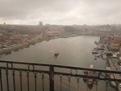ドン ルイス1世橋からの眺め。 この日は生憎の天気。