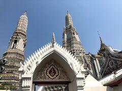 2020年2月5日 寺院巡り後半  前半のワット・ポー、ワット・プラケオに続き 後半はワット・アルン、別名「暁の寺」から。