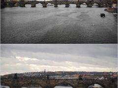 「聖ヴィート大聖堂」見学後、、旧市街地へ、、 この日は、2日目の真っ青な空とは対照的なグレーの空、、  途中のマーネスーフ橋から ヴルタヴァ川と「カレル橋」を眺めつつ、、てくてく、、  (下) この時点で(12時PM頃) 既に「カレル橋」は観光客が いっぱい!