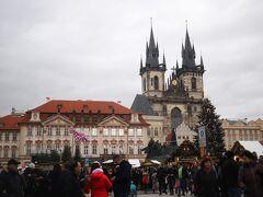 旧市街を てくてく、、  今日もまた お気に入りの「旧市街広場」を通り、、
