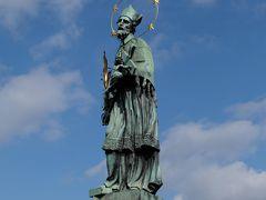 聖ヤン・ネポムツキー  30体ある聖人の中でも最も有名なのがこの聖人です。