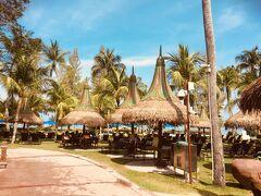 ホテルの専用バスでバトゥフェリンギにやって来ました~ ★Golden Sands Resort by Shangri-La
