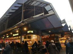 そのすぐ横にはバルセロナで1番の市場サン・ジョセップ市場。