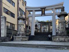 """空港に向かうまでまだ時間があったので、少し足を伸ばして諏訪神社に行ってみました。 有名な""""長崎くんち""""はこちらの神社の秋季大祭です。"""