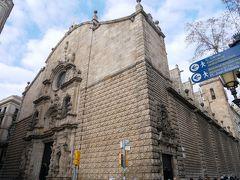 市場を満喫してすぐ横にあったベツレヘム教会。