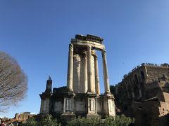 再びフォロロマーノに戻って、ヴェスタの神殿。