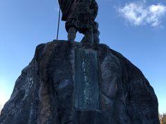 勝道上人銅像。日光開山の祖であり現在の日光山輪王寺の起源となった四本竜寺や中禅寺湖湖畔の神宮寺を開いた僧侶ということです。