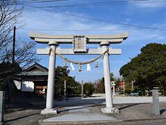 鏡山神社横に大きな駐車場あり
