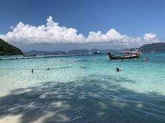 コーラル島。 バナナボートを体験したら後は自由時間。のんび~り