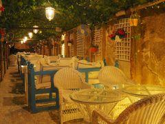 夜のアル・ファヒーディ歴史地区