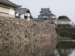 岸和田の中心、岸和田城に行きましょう。
