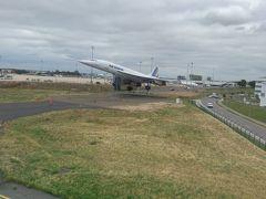 着陸しましたー。このコンコルドを見たいがために、いつも機体左側の座席を取りますー。一度乗ってみたかったなー('ヮ' )
