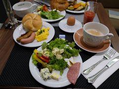 【11日目】(9月22日/日曜) 8:00モーニング  楽しかった旅も帰国日になってしまいました。 いつもの様にいっぱい食べて体調を整えます。