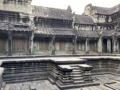 寺院内の十字回廊にある沐浴池、巡礼者が身を清めた。