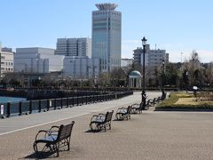 ヴェルニー公園をJR横須賀駅まで歩きます。