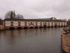 ヴォーバンダム  17世期の防御用堤防です。 中にも入りましたがかなり大きいです!