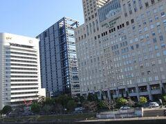 ホテルは京橋の『ホテルモントレ ラ・スール大阪』 駅直結の傘いらず。