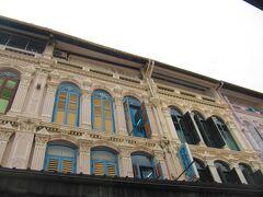 <チャイナタウン> チャイナタウンの建物。 マンゴーとサゴのデザート目的でチャイナタウンへ。