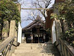 三宮駅より歩いて10分ほどの位置に、一宮神社がありますよ。
