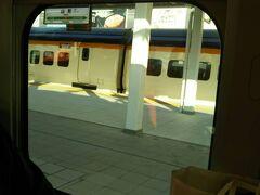 山形駅です。  乗り降りが全く無くて、実はこの車両にも数人しか乗っていません。コロナの影響でしょうか。