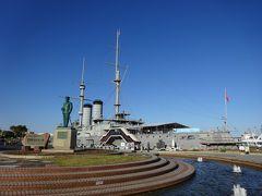 三笠公園に戻ってきました。三笠公園のシンボル、記念艦三笠ですが、訪問時は新型コロナウイルスの影響で閉艦していました。