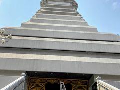 外階段から2階に入りなおして 5階まで階段利用です。