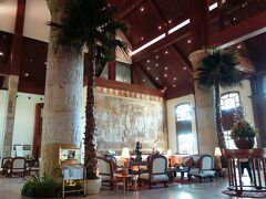 いったんホテルに戻り、朝食。  この後、アンコールトム、バンデアイスレイ、タプロム寺院、 そして改めてのアンコールワットの観光に行きます。