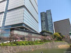 東京ガーデンテラス紀尾井町 弁慶橋の上から  赤坂見附駅から弁慶橋を渡りガーデンテラス(昔の赤プリ)へ。