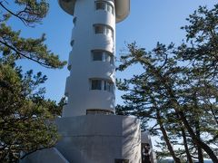 門脇崎灯台。地上17メートル。上に展望台