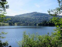 グラスミア湖の湖畔まで行く