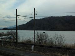 右手に見えるのは、木崎湖のようで・・ 仁科三湖の一つ~釣りのスポットとして人気が高く、周辺にはキャンプ場もあるそうです。