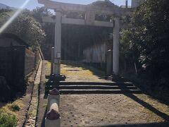途中、大島一周道路沿いに「大宮神社」さまの一ノ鳥居があります。 大島にある三つの旧郷社のひとつです。